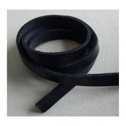 Kožený pásik, čierny 10x2,5mm /0,2m